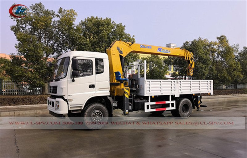 Dongfeng 4wd truck with xcmg crane